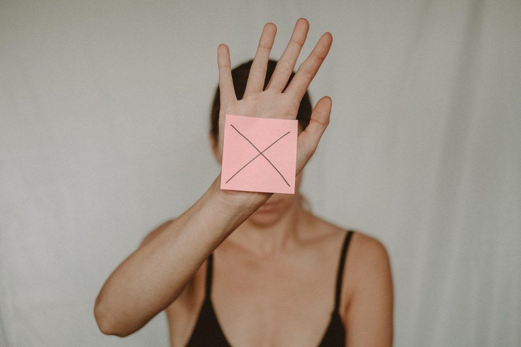 Toxic men relationships woman silenced
