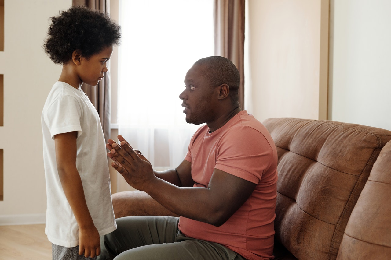 narcissistic parents father talking to his daughter